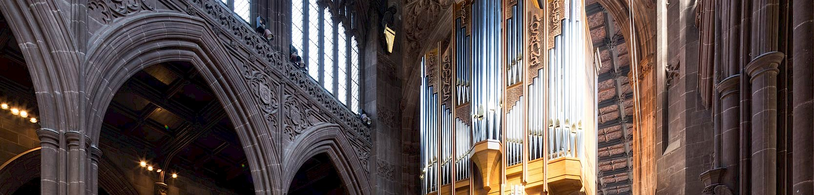 Panoramic view of the Manchester Cathedral Organ